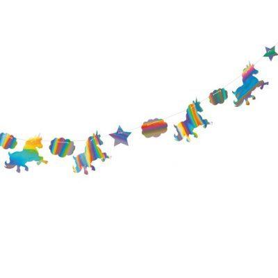 2 meter lång girlang med skimrande enhörnignar, moln och stärnor. Passar till barnkalas med tema enhörningar eller sagotema.